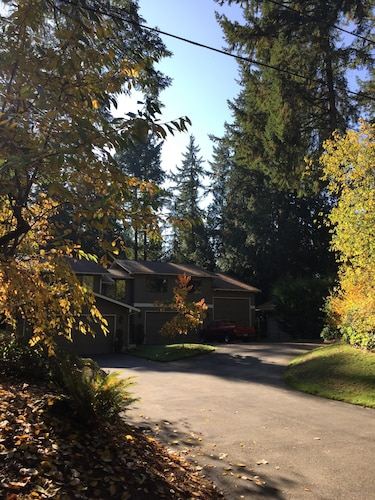Wine Country Hollywood Hill Home On Private Drive In Woodinville