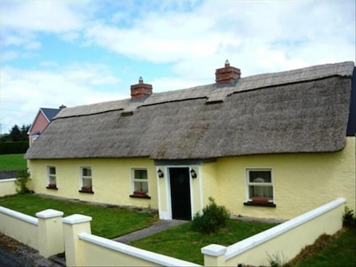 Traditional Irish Cottage With Free Wifi