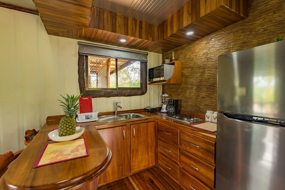 Private Kitchen, Arenal Luxury Paradise - Couples Getaway