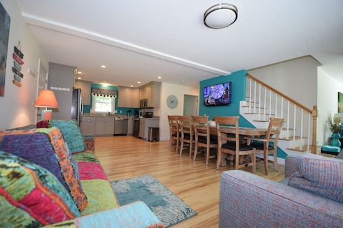New Year Round Rental - 1/4 Mile To Short Sands Beach & Downtown York