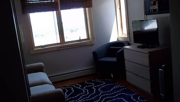 3 間臥室、上網