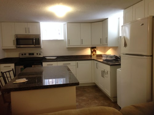 Marvelous Big Two Bedroom Unit at Britannia Beach!