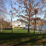 Spacious Lake Front Home Sleeps 13, Close to Nyc, Hudson River, Hiking Trails