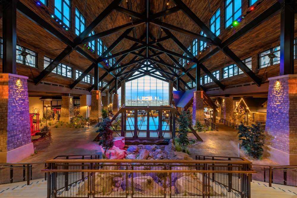 Interior, Gaylord Rockies Resort & Convention Center