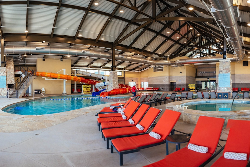 Indoor Pool, Gaylord Rockies Resort & Convention Center