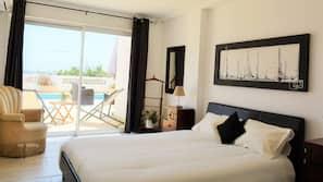 1 chambre, rideaux occultants, Wi-Fi gratuit, draps fournis