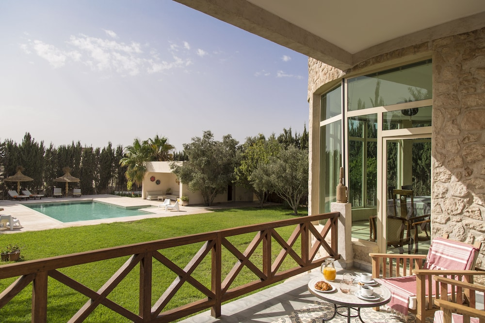 Illi House With Swimming Pool, Hamam and gym - 2019 Deals