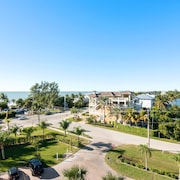 Bonita Beach & Tennis Club! Spectacular gulf view. Steps to Beach. Free WiFi.