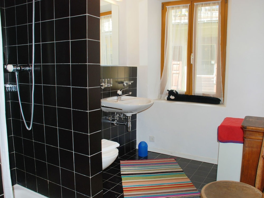 Bathroom, Beautiful apartment for 6 people with balcony and parking