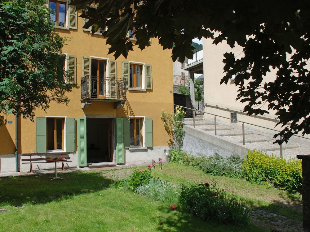 Exterior, Beautiful apartment for 6 people with balcony and parking