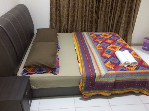 Lawang Suite Basic Roomstay
