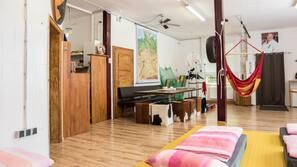 1 Schlafzimmer, hochwertige Bettwaren, kostenlose Minibar, Schreibtisch