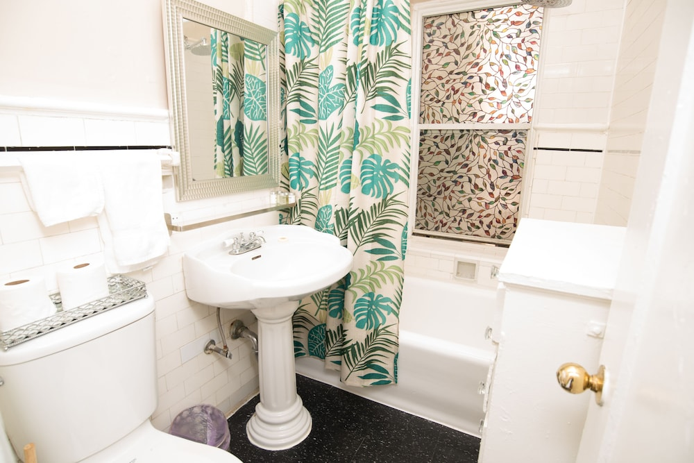 Bathroom, The Canterbury Suites