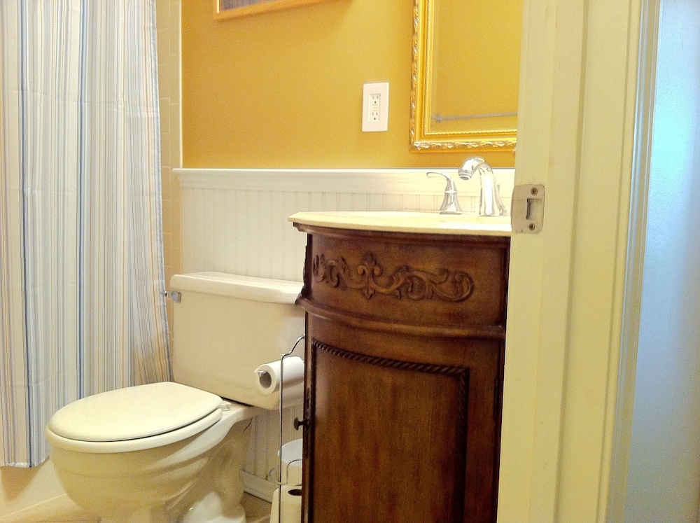 Bathroom, Book it Now! Clean Cute Family-friendly Ocean Edge Cond