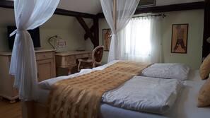 1 soveværelse, premium-sengetøj, pengeskab, skrivebord