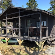 Waterfront Cabin With Direct Trail Access!