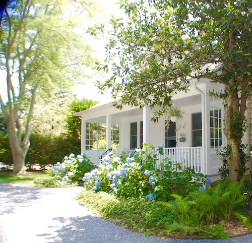 Home in the Heart of East Hampton Village