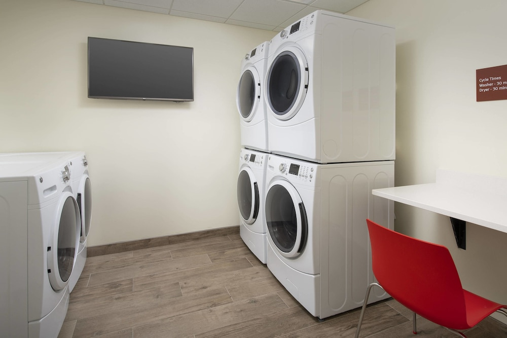 Laundry, TownePlace Suites by Marriott College Park