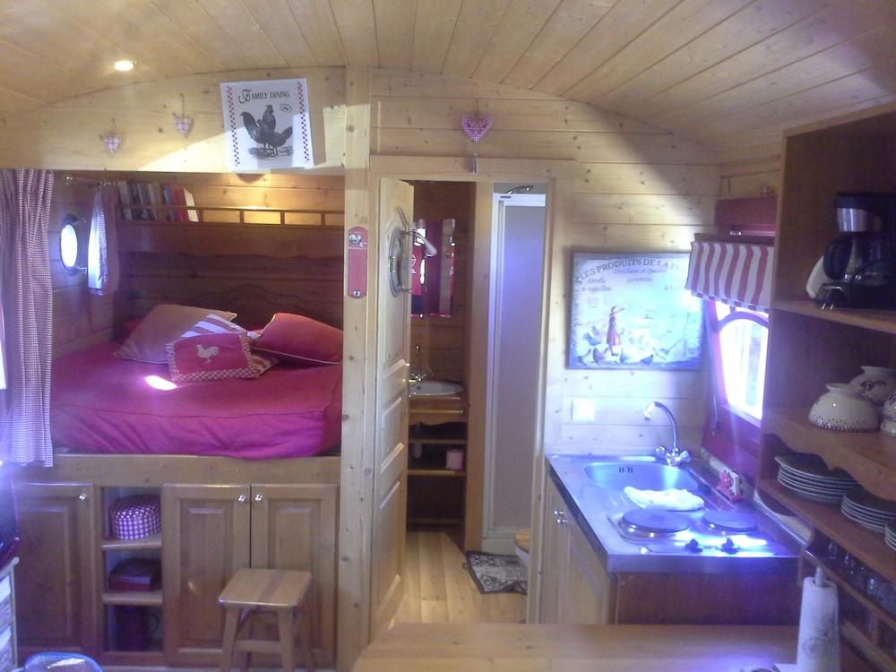 Roulotte Et Gîte Chambres Du0027hôtes Saint Pol Sur Ternoise, FRA   Best Price  Guarantee | LastMinute