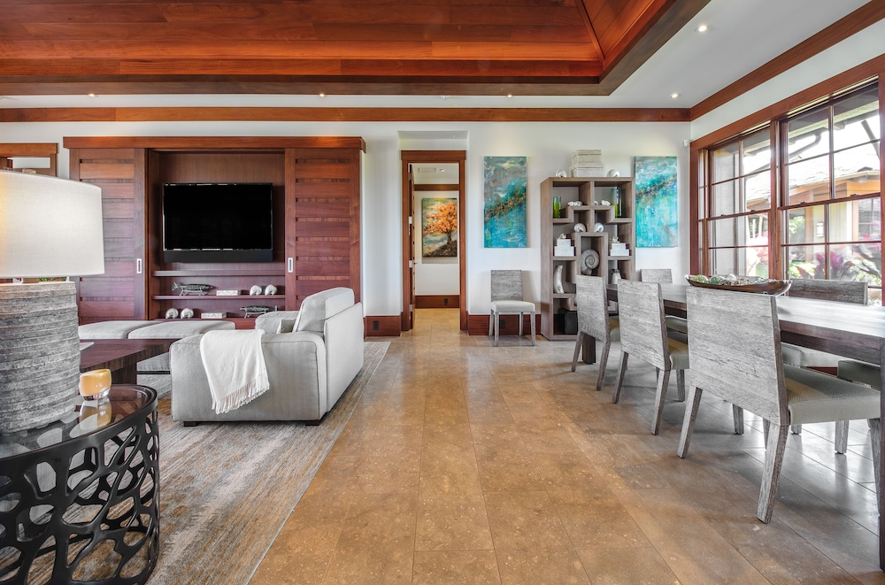 Living Area, The Lodge at Kukui'ula