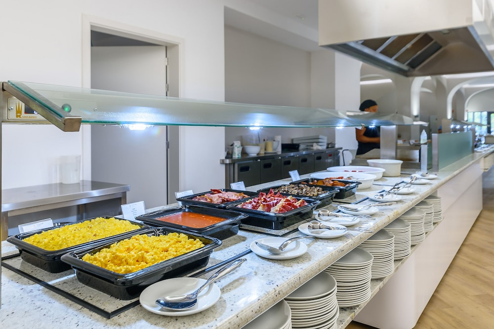 Breakfast buffet, Jupiter Albufeira Hotel - Family & Fun
