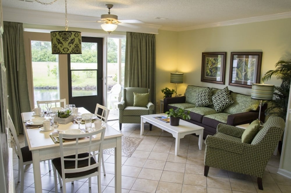 Living Room, Presidential Suites at the Plantation Resort, 3 Bedroom Suite
