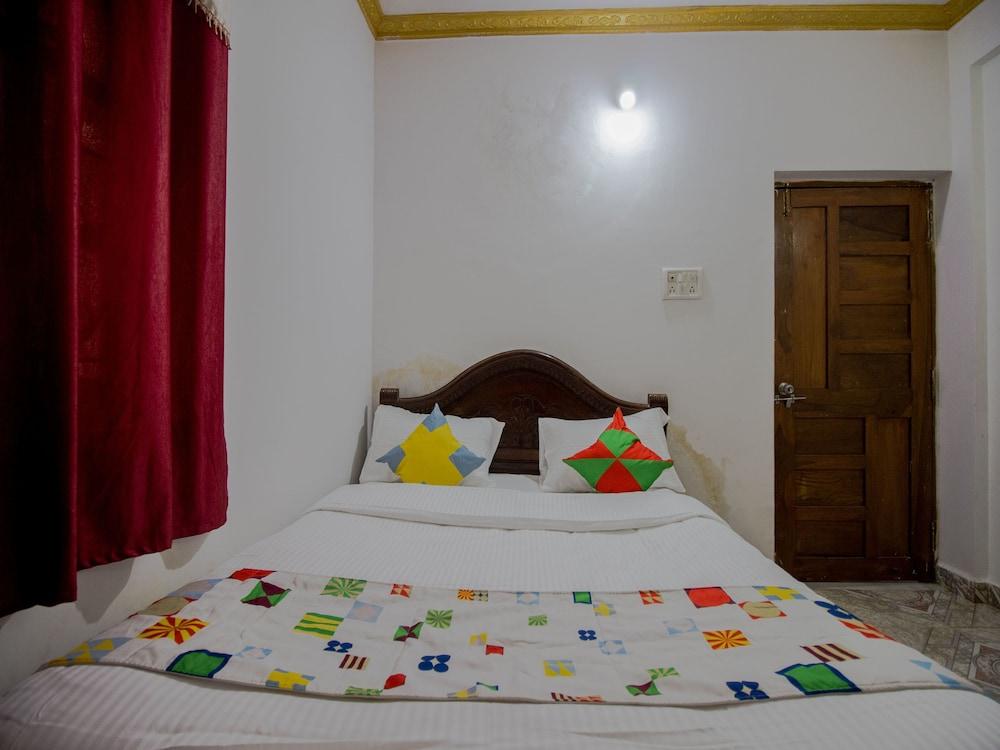 Oyo 14233 Home Beach Side 2bhk Calangute In Alto De Porvorim Hotel