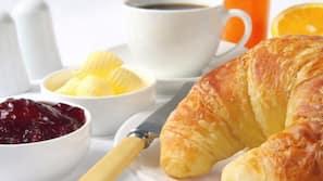Petit-déjeuner continental (8.50 EUR par personne)