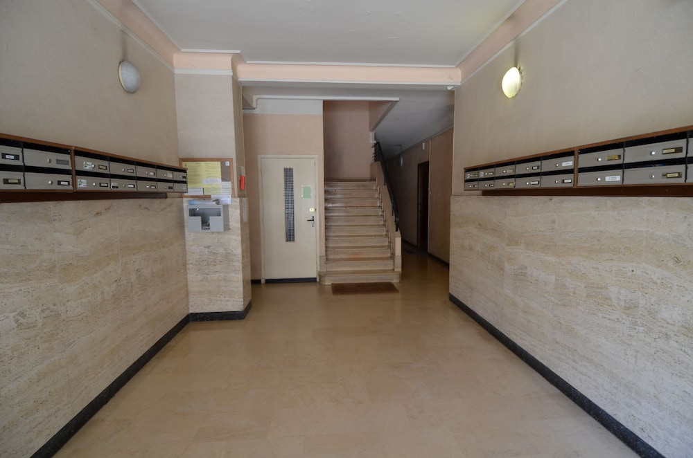 Interior Entrance, Large studio 4 persons near Promenade des Anglais in Nice
