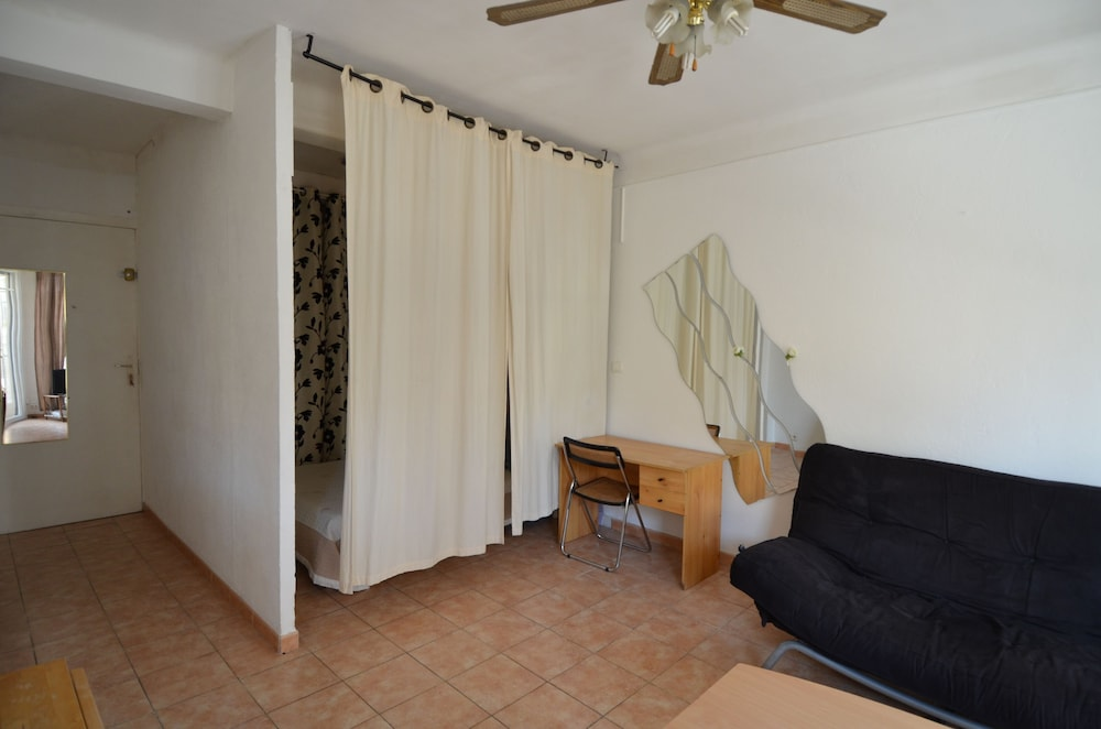 Living Area, Large studio 4 persons near Promenade des Anglais in Nice