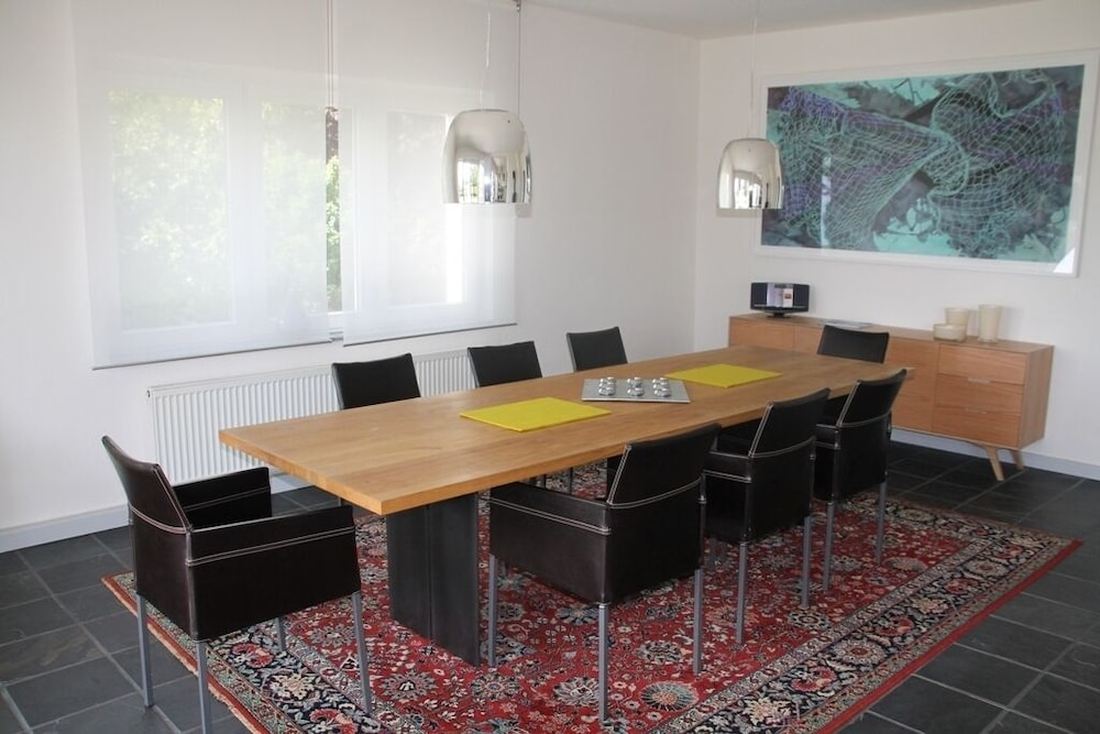 Auto Kühlschrank Bauhaus : Bauhaus house on spacious grounds with a private water access