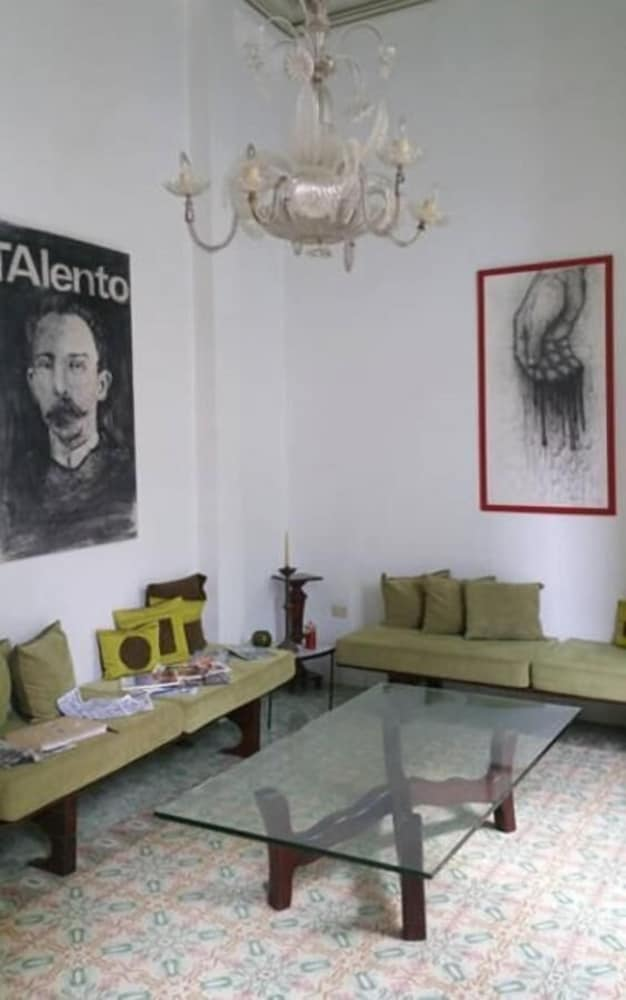 Lobby Sitting Area, B&b Vitrales - Heart of Old Havana - Boutique 2