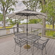 Verona Beach Escape w/ Deck - Walk to Oneida Lake!