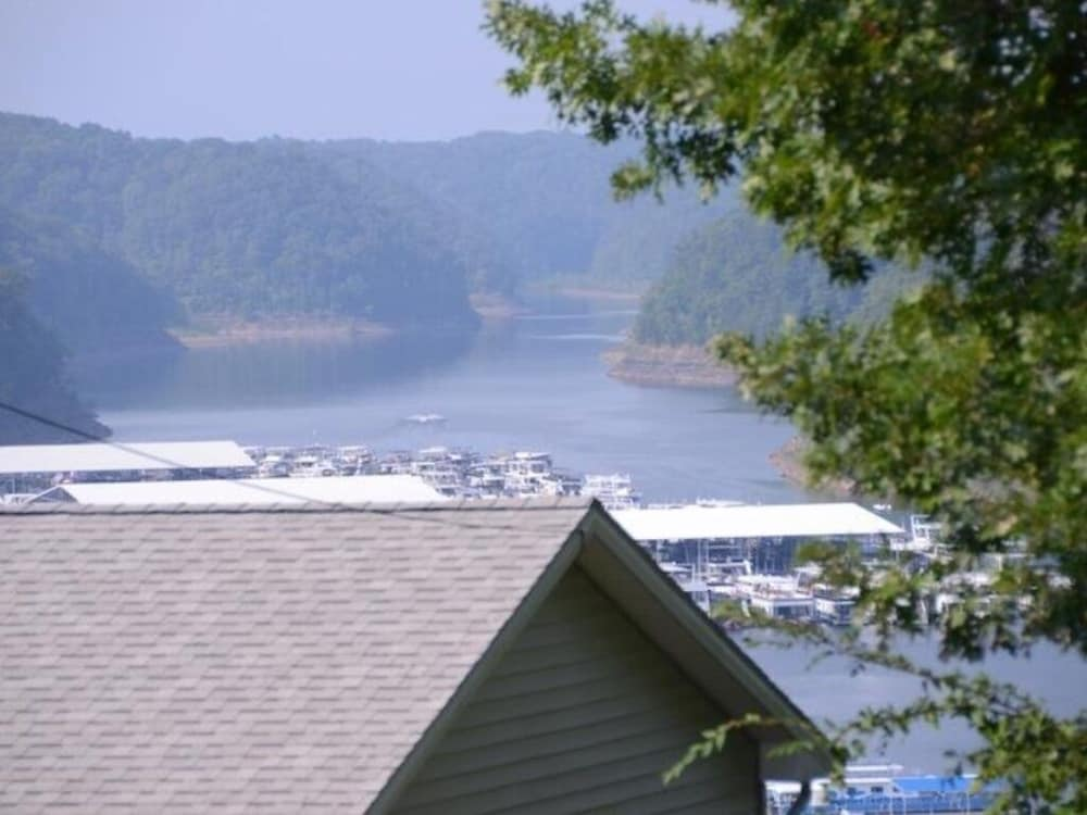 Terrace/Patio, Overlooks Jamestown Marina & State Dock, Lakeview House, 4br/3ba, Sleeps 10