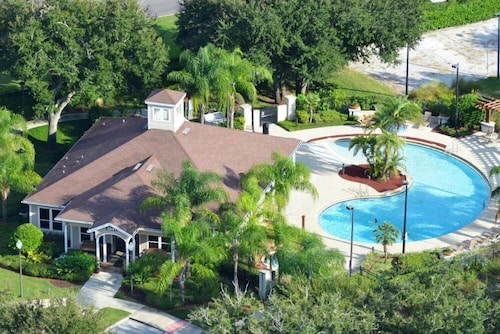 Great Place to stay Villa Gatti near Lake Buena Vista