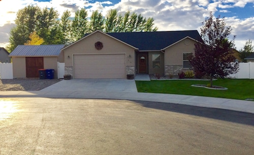 Lovely Family Friendly Twin Falls Home