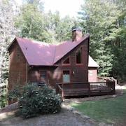 Secluded Cabin Hot Tub, Game Room, Wifi in the Coosawattee River Resort