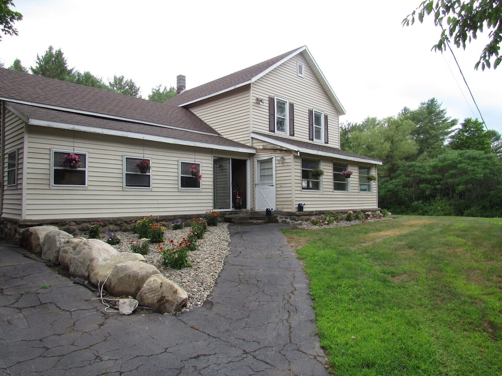 Featured Image, 30 Minutes TO Lake George Spacious Home for Vacation Home Base!