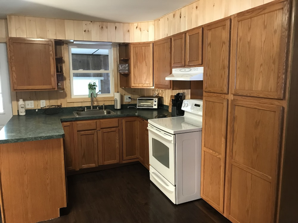 Private Kitchen, 30 Minutes TO Lake George Spacious Home for Vacation Home Base!