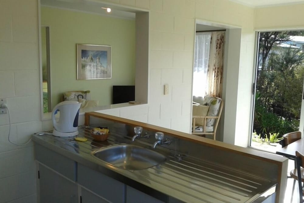 Private Kitchen, Stunning Harbour Views, Peaceful Location