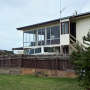 Pelican View - see the sea in our Peaceful Family/pet-friendly Elevated Home