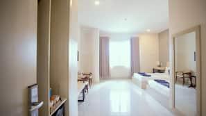 高級寢具、特厚豪華床墊、迷你吧、家具佈置各有特色