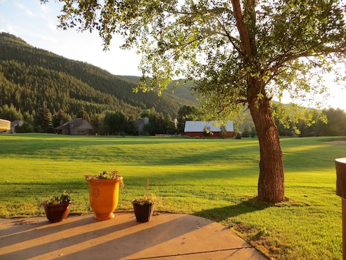 Luxury Mountain Home by Vail/beaver Creek. Private Hot Tub, on Golf Course