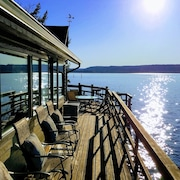 Waterfront Near Alderbrook. Union City Beach House at Hood Canal. Epic Views!