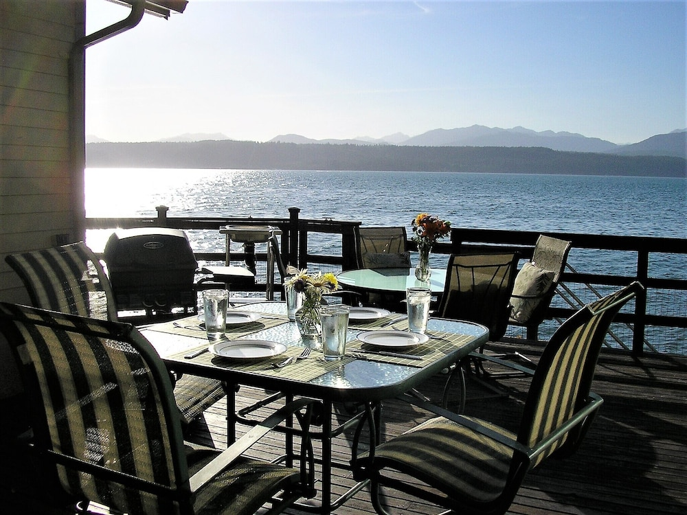 Union City Beach House At Hood Canal Waterfront 2018 Room Prices