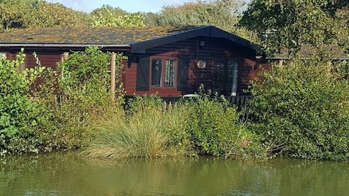 The Lodge By The Lake, Shorefield Holiday Park