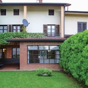 2 Bedroom Accommodation in Dobrovo v Brdih