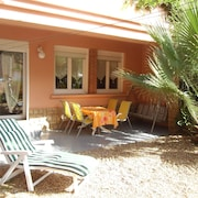 Apartment Sleeps 5 to 80 m From the Beach and Close to all Shops
