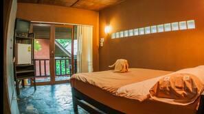 Zimmersafe, individuell eingerichtet, kostenpflichtige Zustellbetten