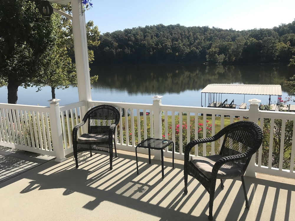 New Discount Rates Sept April Hiking Fire Pit Sun Room Grill Kayaks